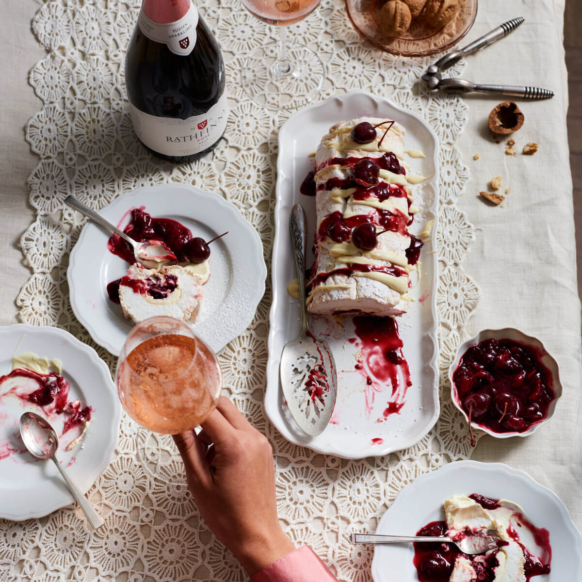 Rose 2018 Roulade Table Setting